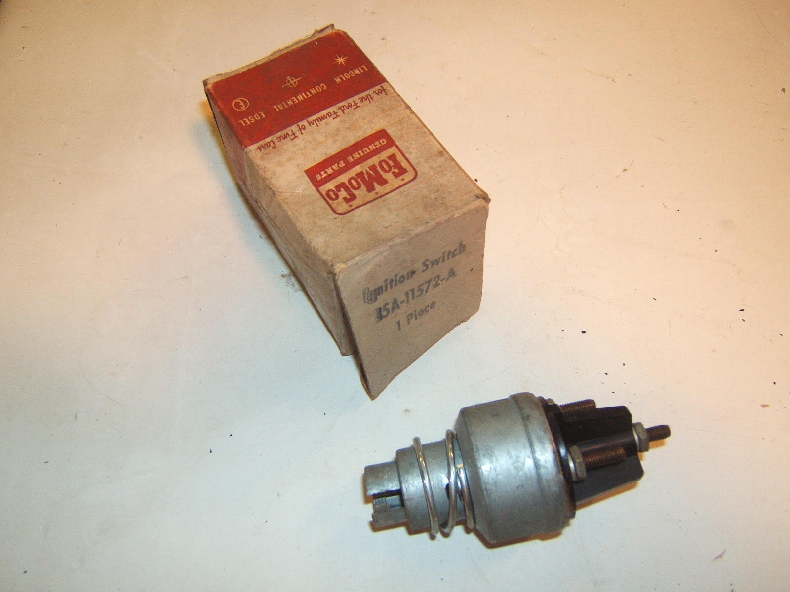 1952,53,54,55,56,57,58,59 Ford & Thunderbird Ignition Switch FoMoCo # B5A-11572-A