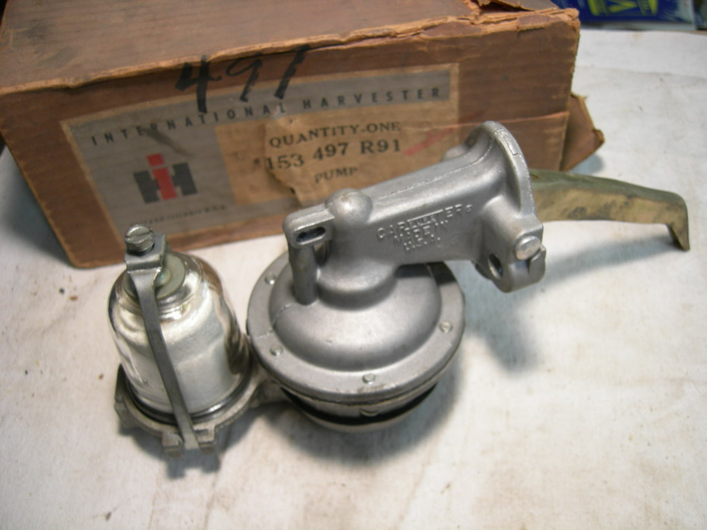 1955 -75 International 401 478 549 v8 fuel pump nos 153 497 r91 (153 497 r91 4455)