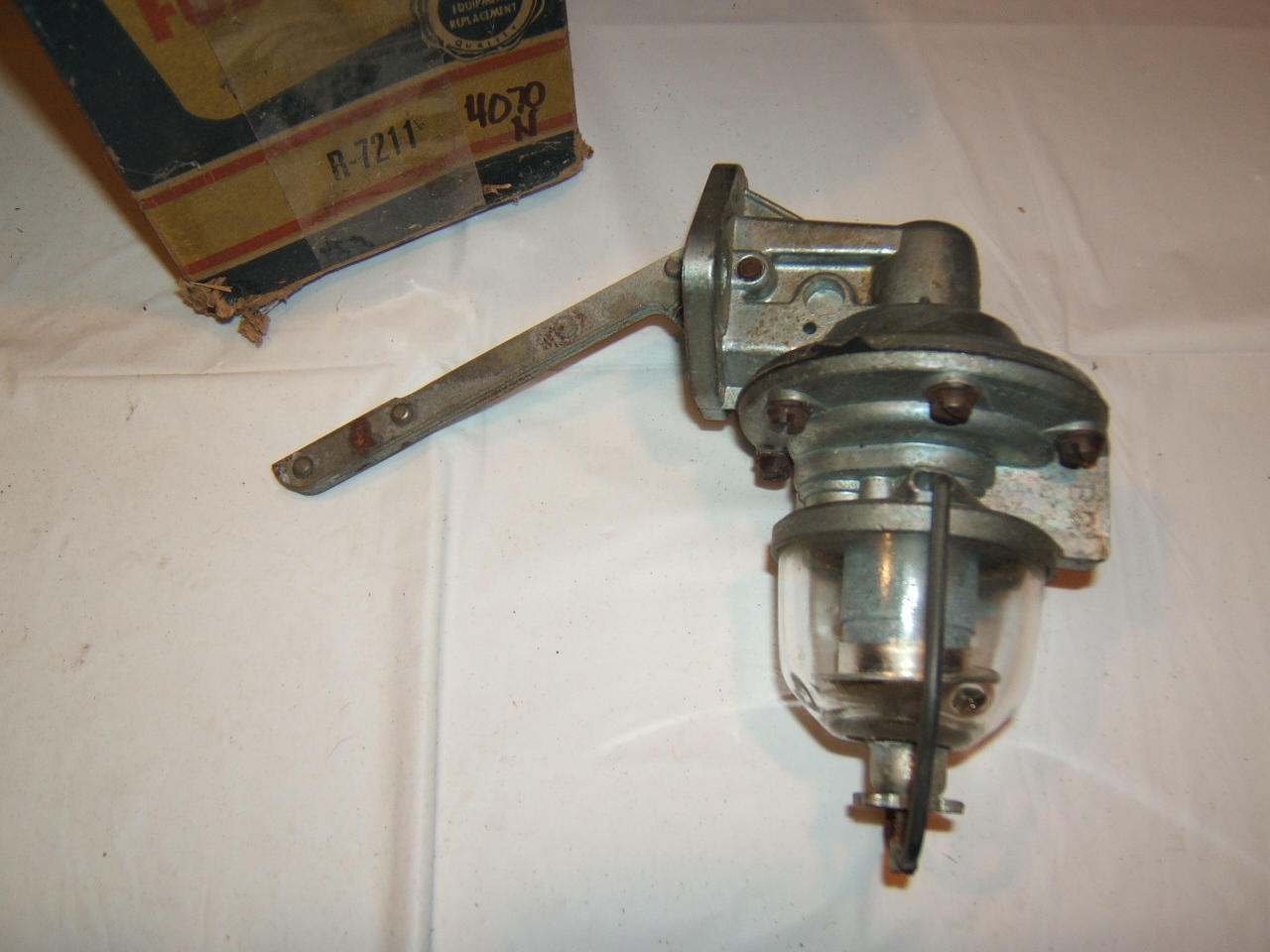 1954 Ford v8 fuel pump glass bowl style new #4077 (a 4070n wizrd)
