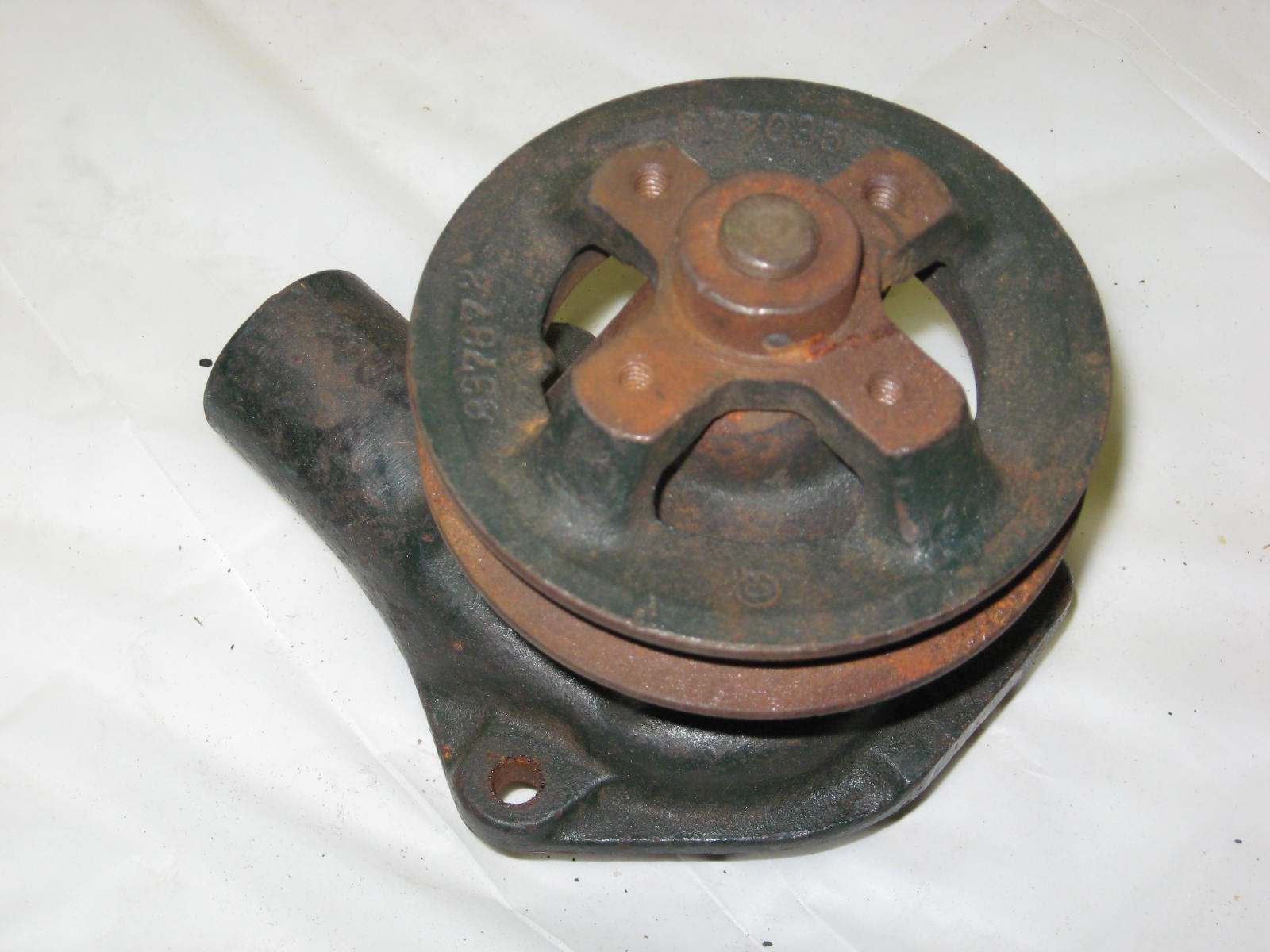 1935 Chevrolet water pump NOS (a 837608nw)      Upload Image     Link Online      Back to List     Save     Next»  You