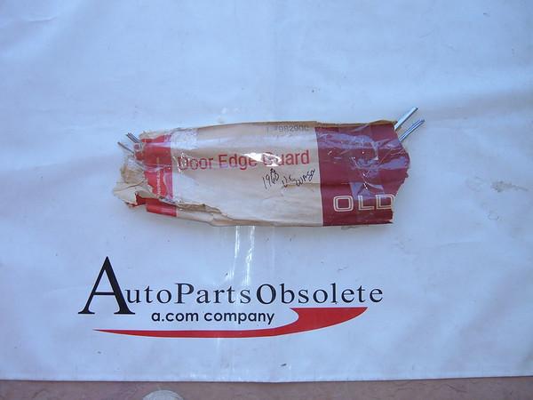 View Product1968 cutlass accessory door edge guards nos gm # 982900 (z 982900)