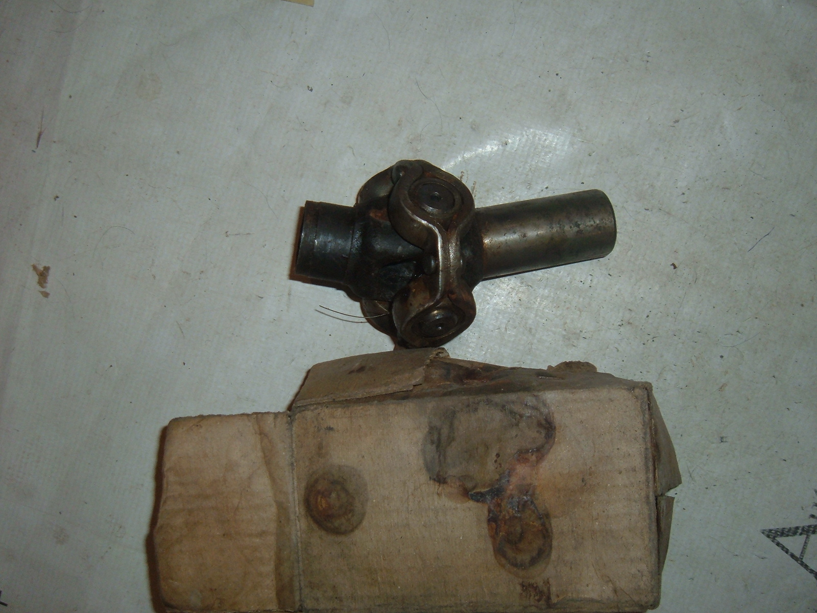 1933 34 35 36 chevrolet universal joint nos gm 601889 (z 601889)