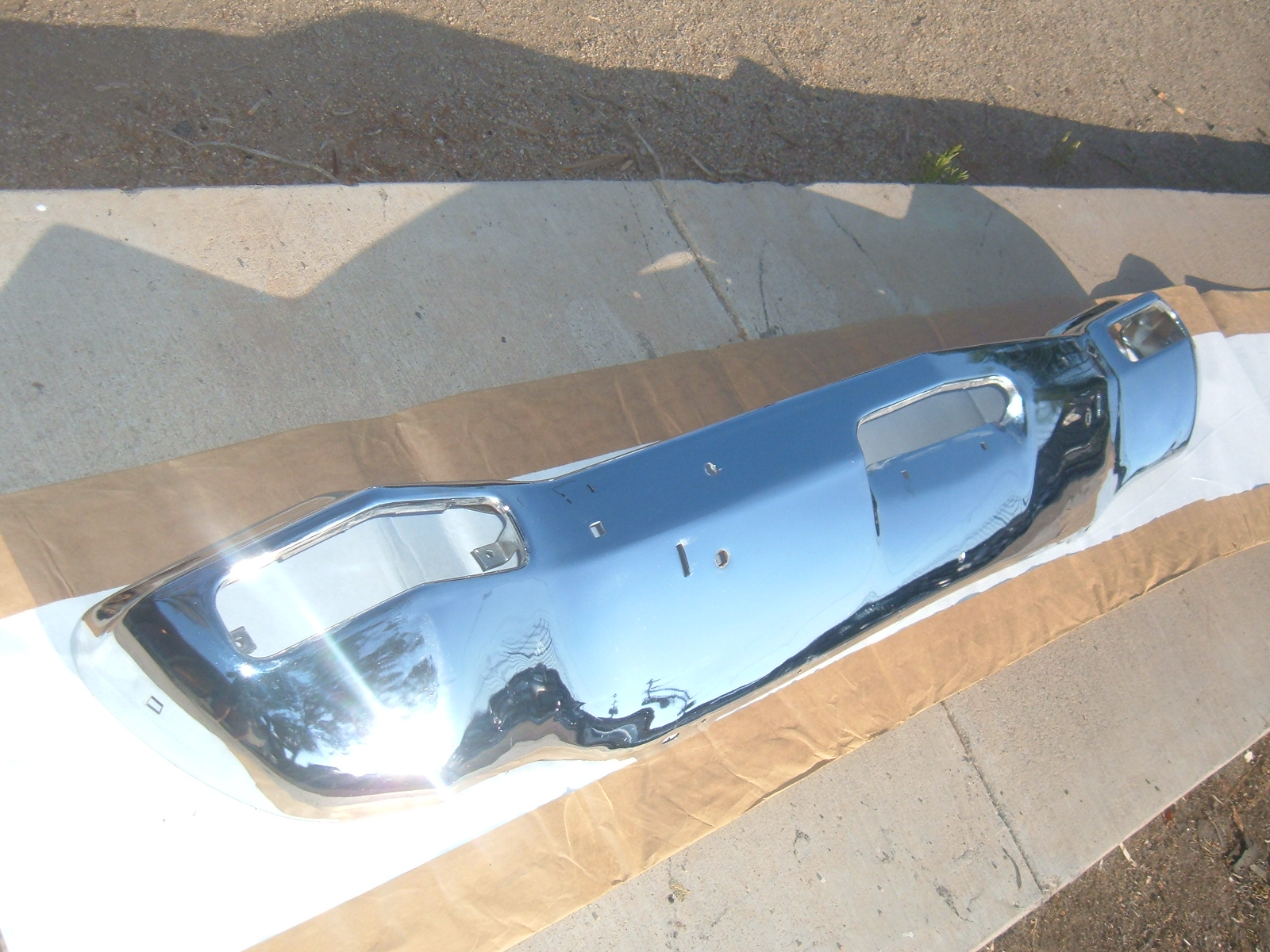 1973 dodge polara front bumper assembly nos mopar # 3686301