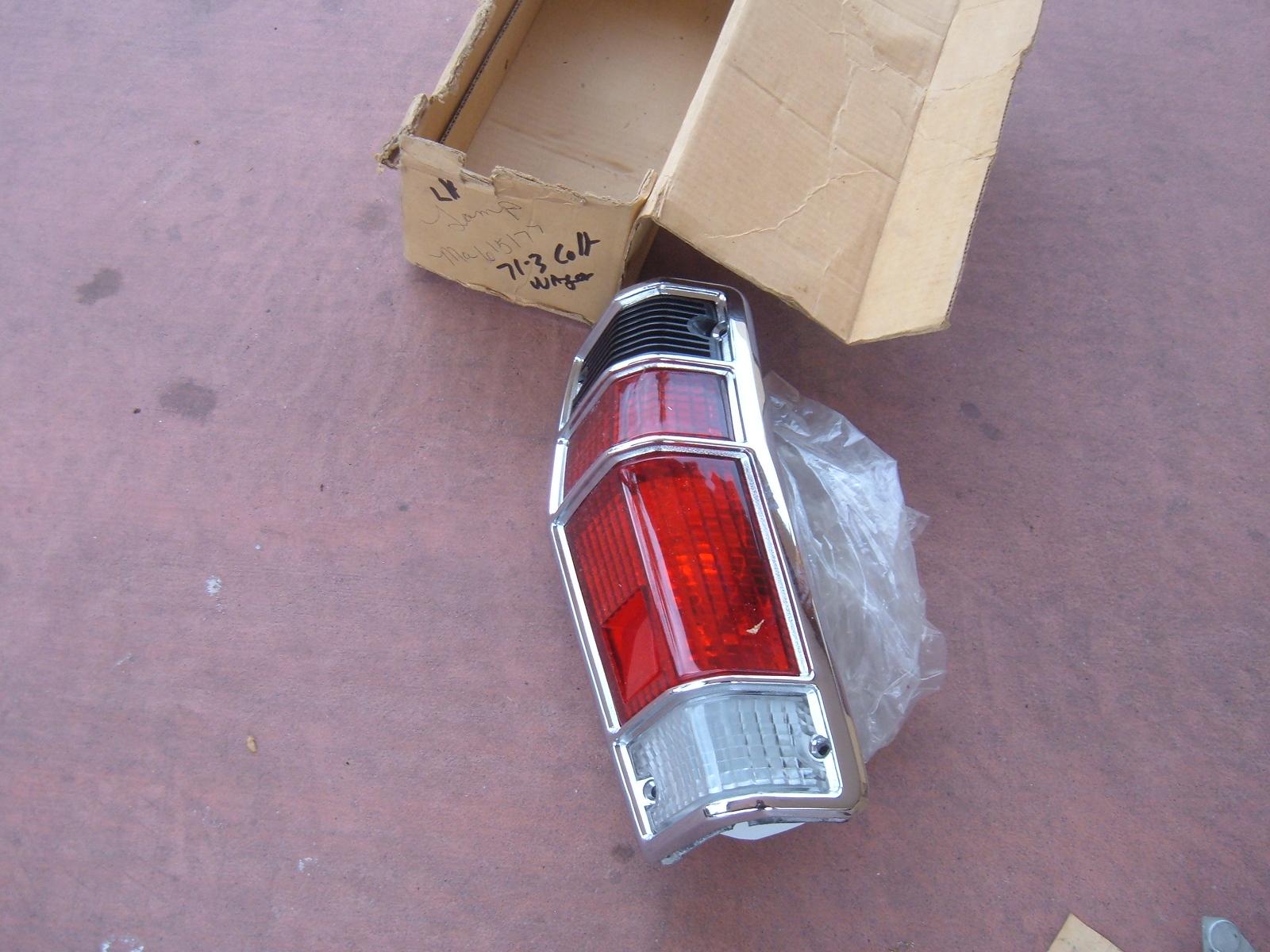 1971 72 73 dodge colt taillight assembly nos mitsubishi MA 615177 (z ma615177)