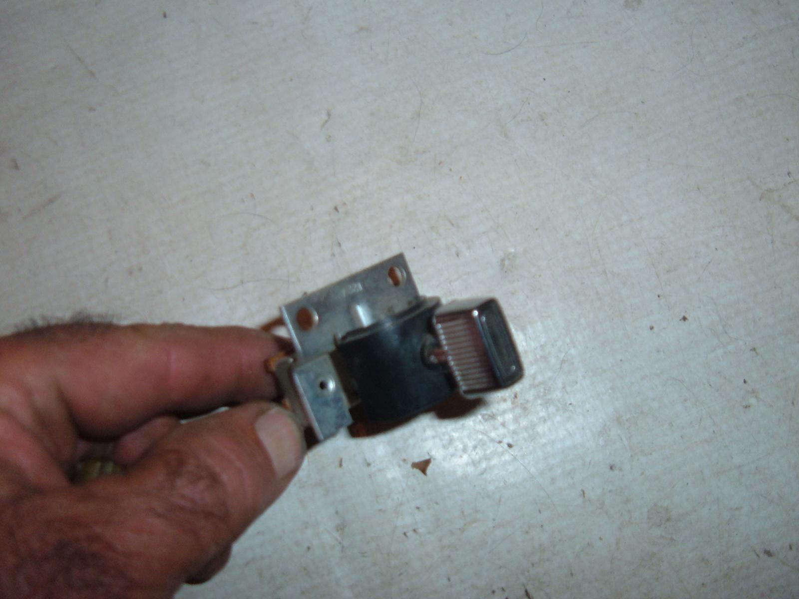 1975 76 77 78 79 dodge plymouth rear window switch 3746797 (z 3746797)