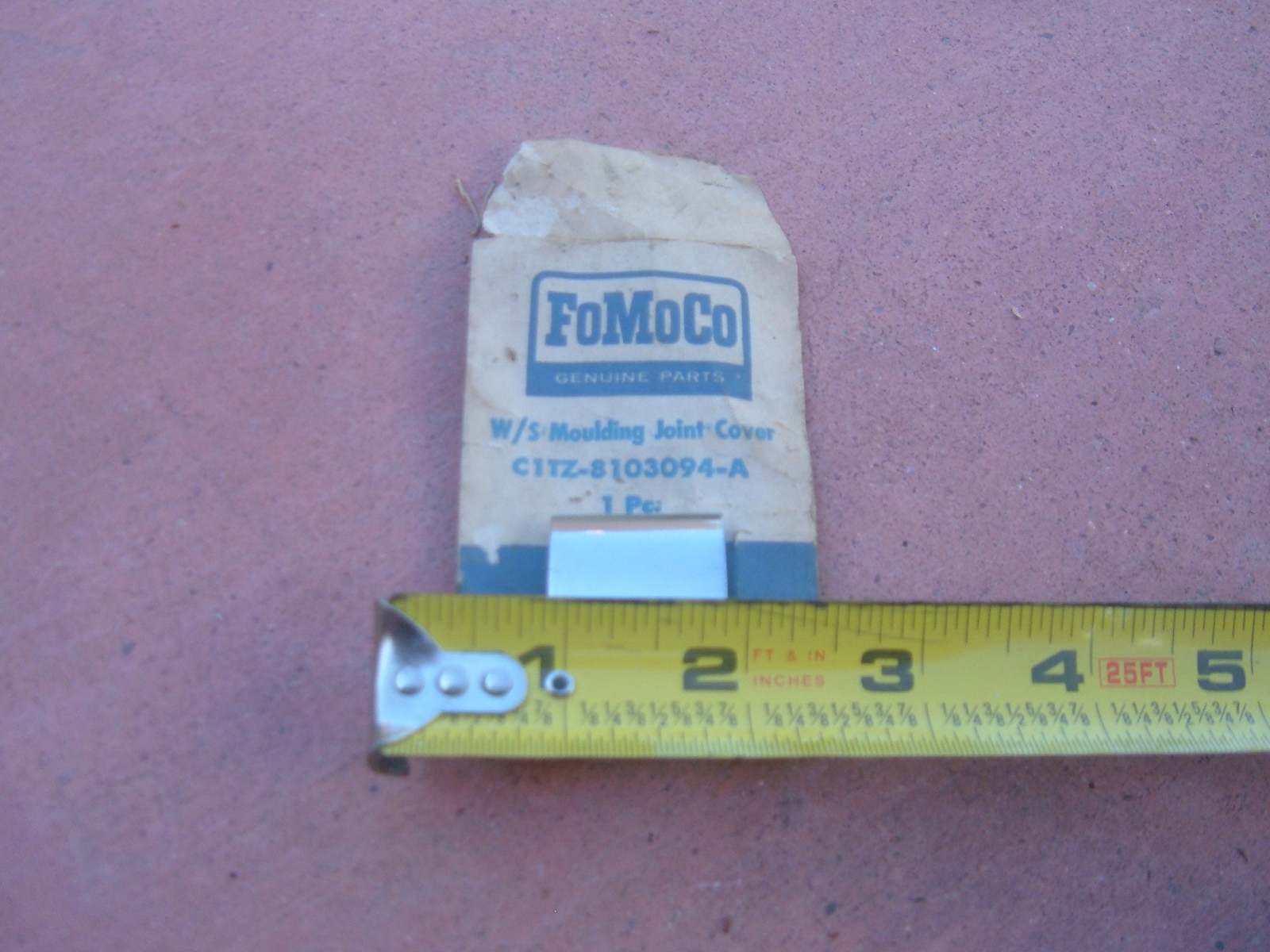 1961 62 63 ford truck rear window molding clip nos ford C1TZ-8103094-A (z c1tz8102094a)