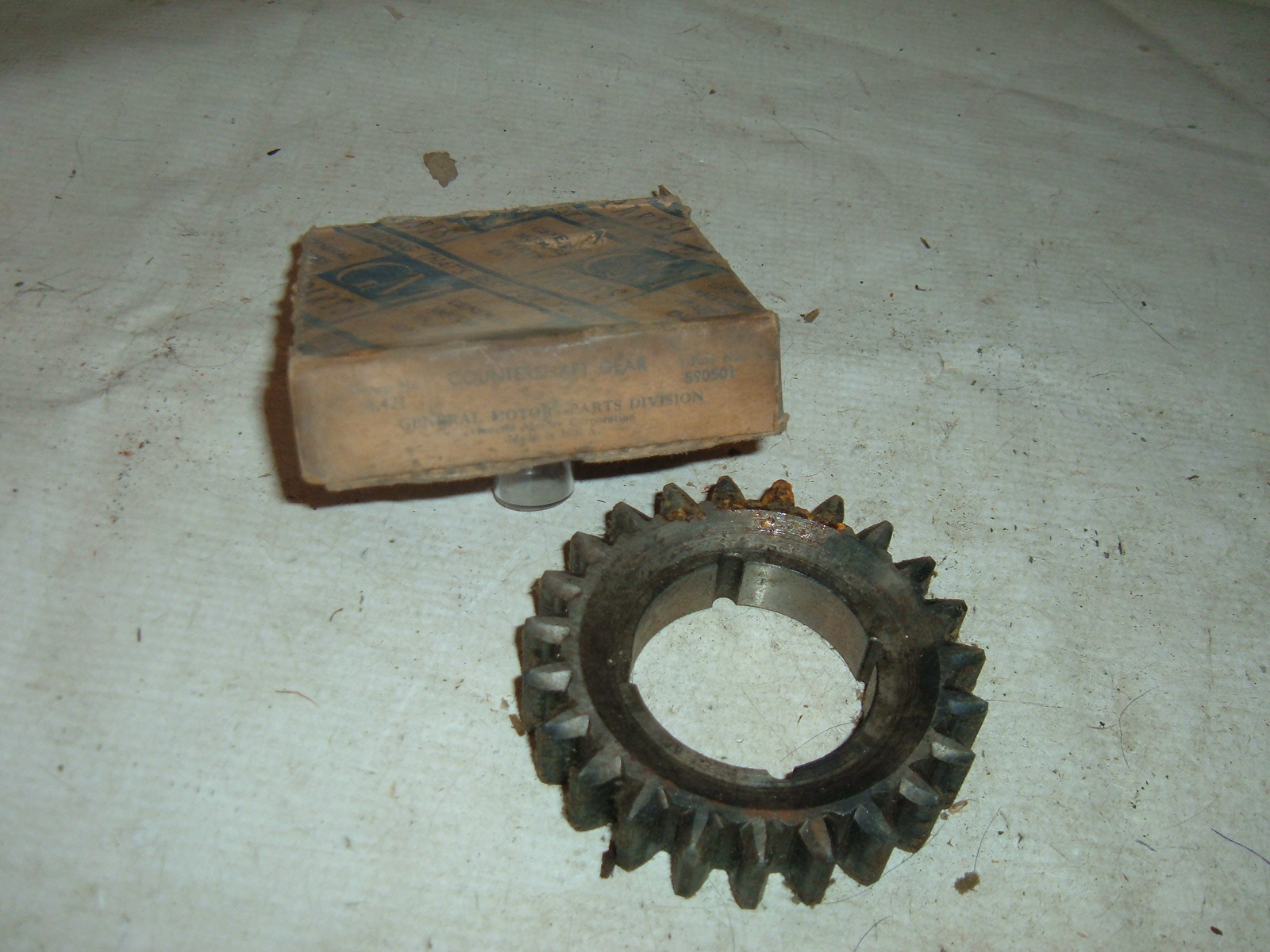 1940 41 42 46 47 chevrolet truck transmission 2nd gear nos gm # 590501 (z 590501)