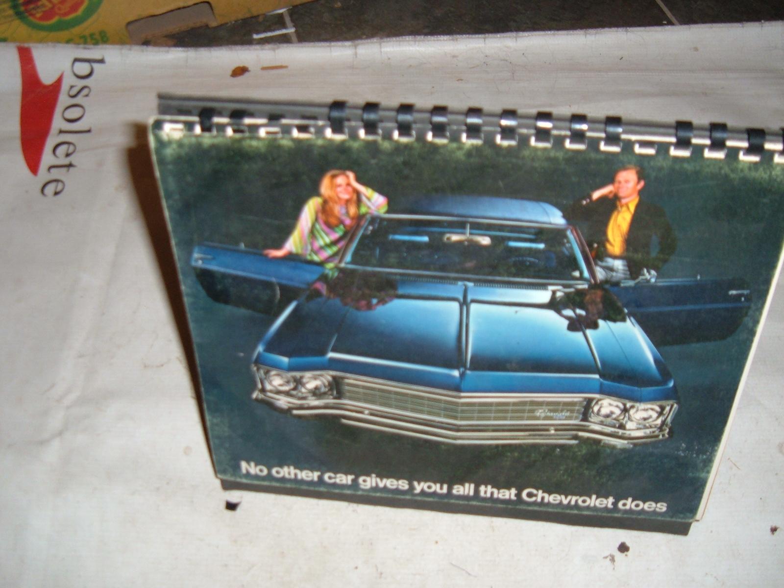1970 chevrolet impala desk top sales booklet original print (z