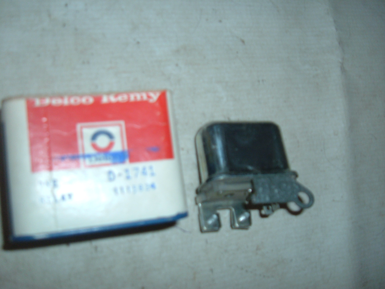 1963 64 65 66 corvette, impala ,chevelle horn relay nos gm # 1115824 (z 1115824)