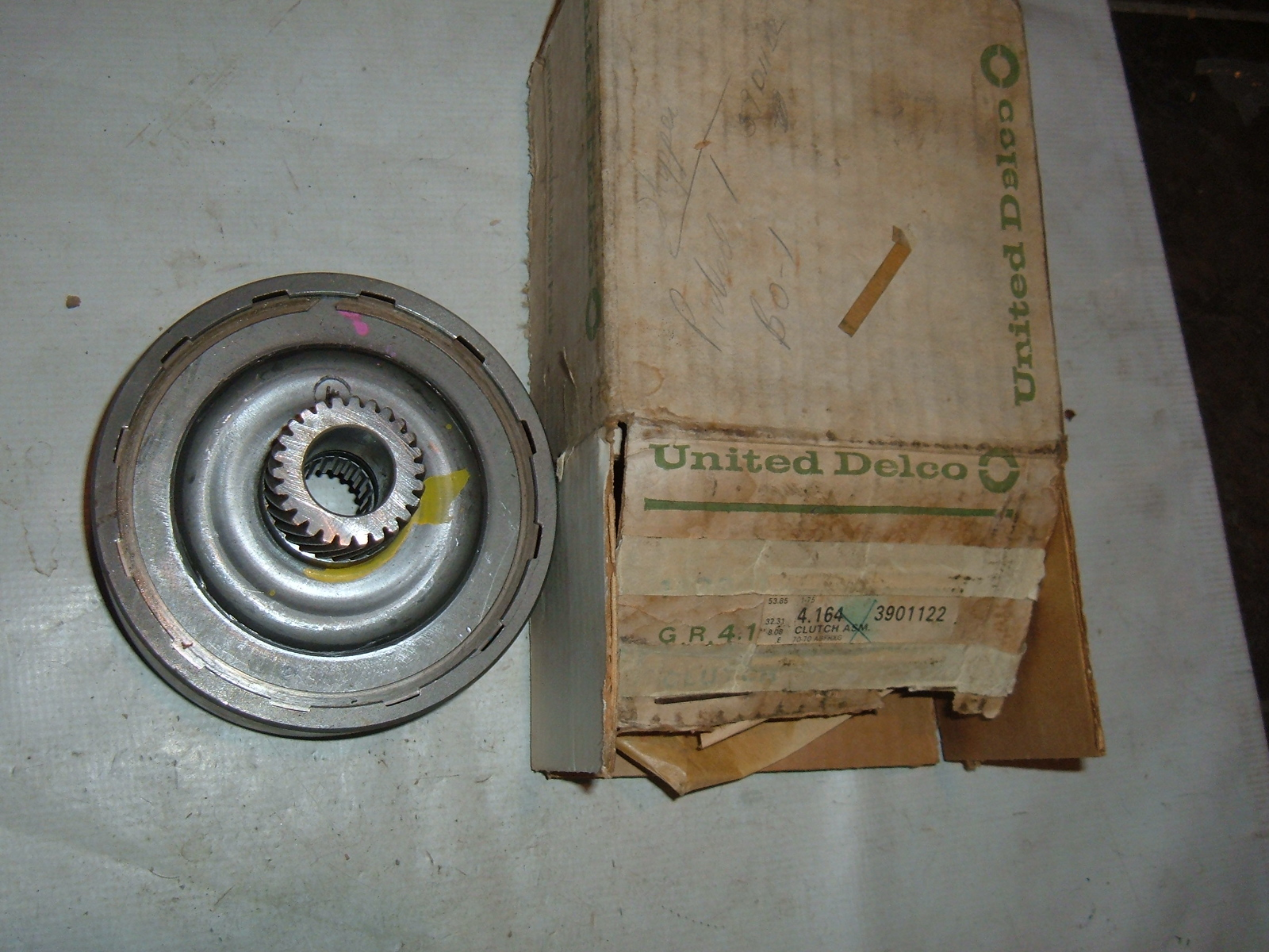 View Product1964 65 66 67 68 69 70 chevrolet powerglide clutch assm nos 3901122 (z 3901122)