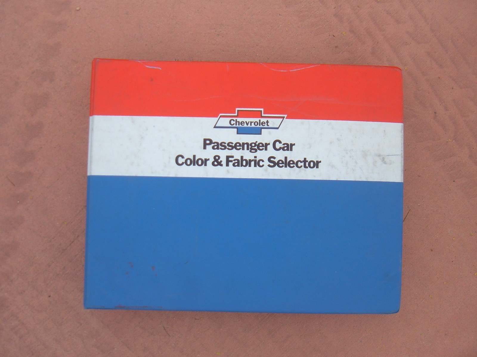1975 Chevrolet Dealer color and fabric selector Corvette Camaro monte carlo moza (z 75colorfabricselector)