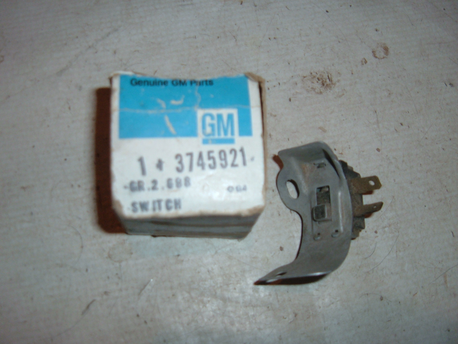 1958 -72 chevroltet buick oldsmobile pontiac back up reverse light switch nos gm 3745921 (z 3745921)