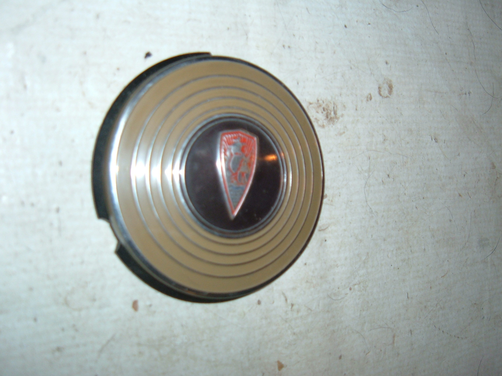 1940 plymouth horn button mos mopar # 854912 (z 854912)