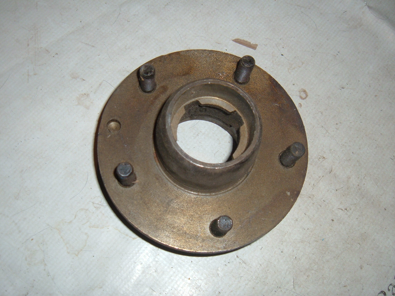 View Product1941 42 46 47 48 49 50 5 52 53 54 55 chevrolet truck front brake hub nos gm 3775685 (z 3775685)