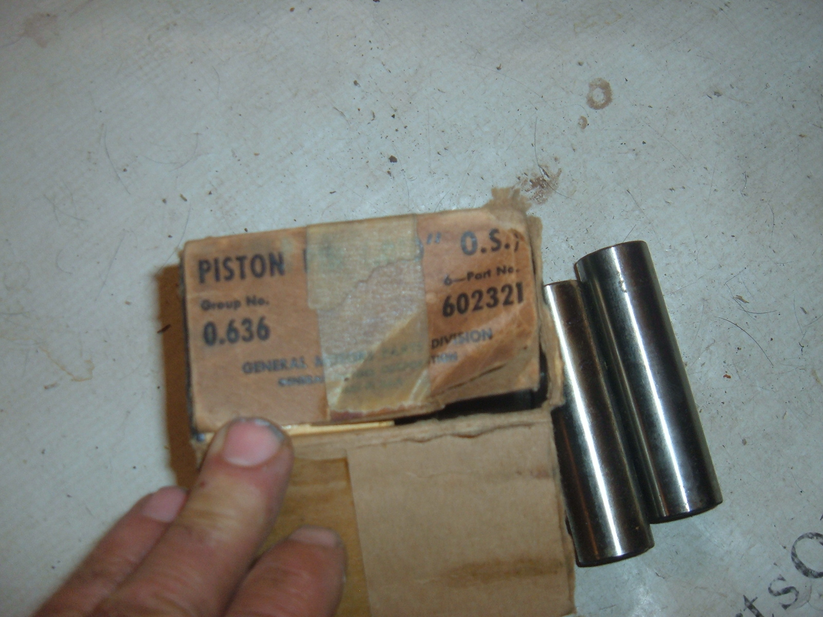 1937 38 39 40 41 42 46 47 48 49 50 51 52 53 chevrolet piston pins nos gm # 602321 (z 602321)