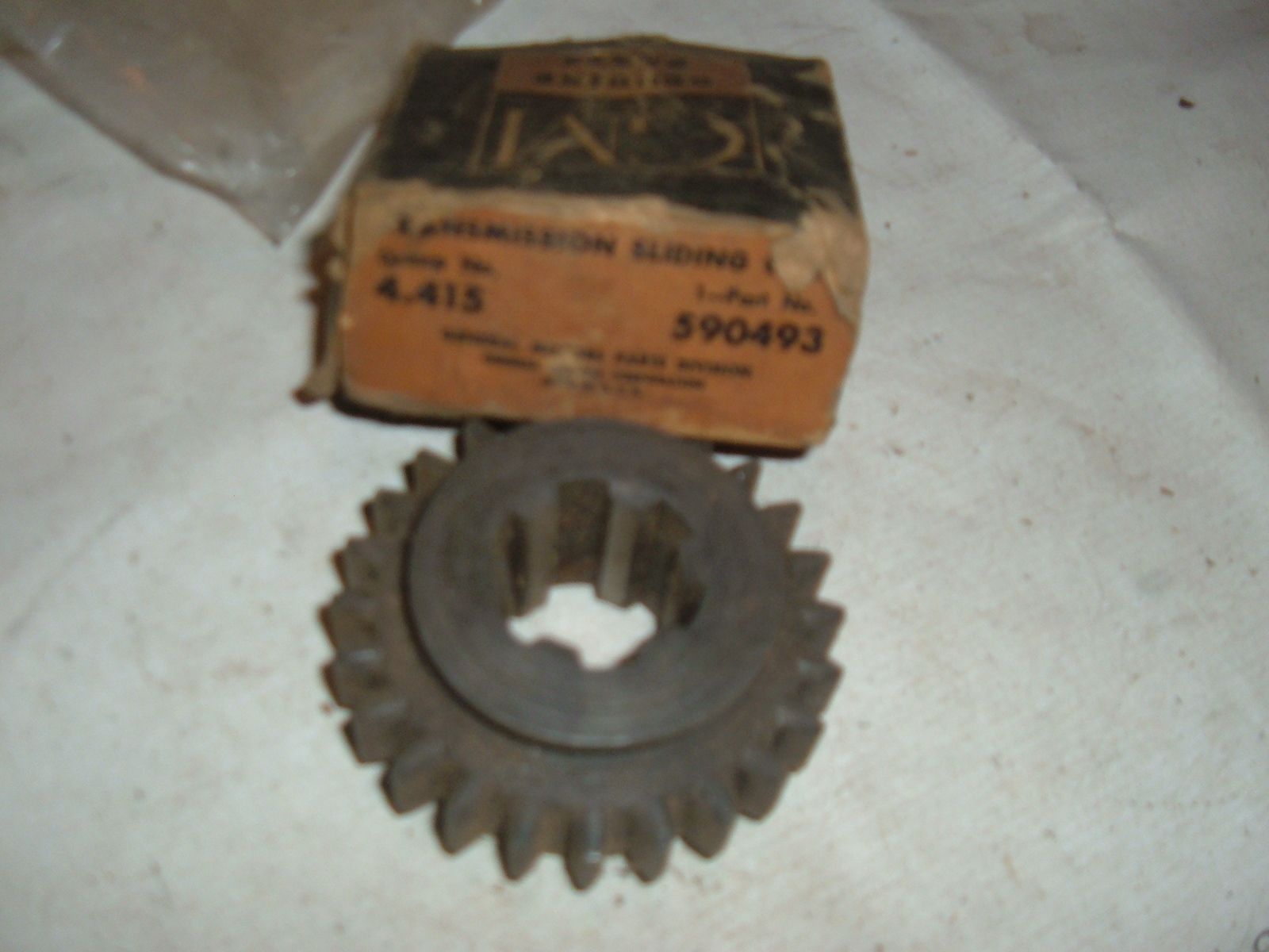 1933 35 37 37 39 40 41 46 47 chevrolet truck transmission 3rd & 4th gear nos gm 590493 (z 590493)