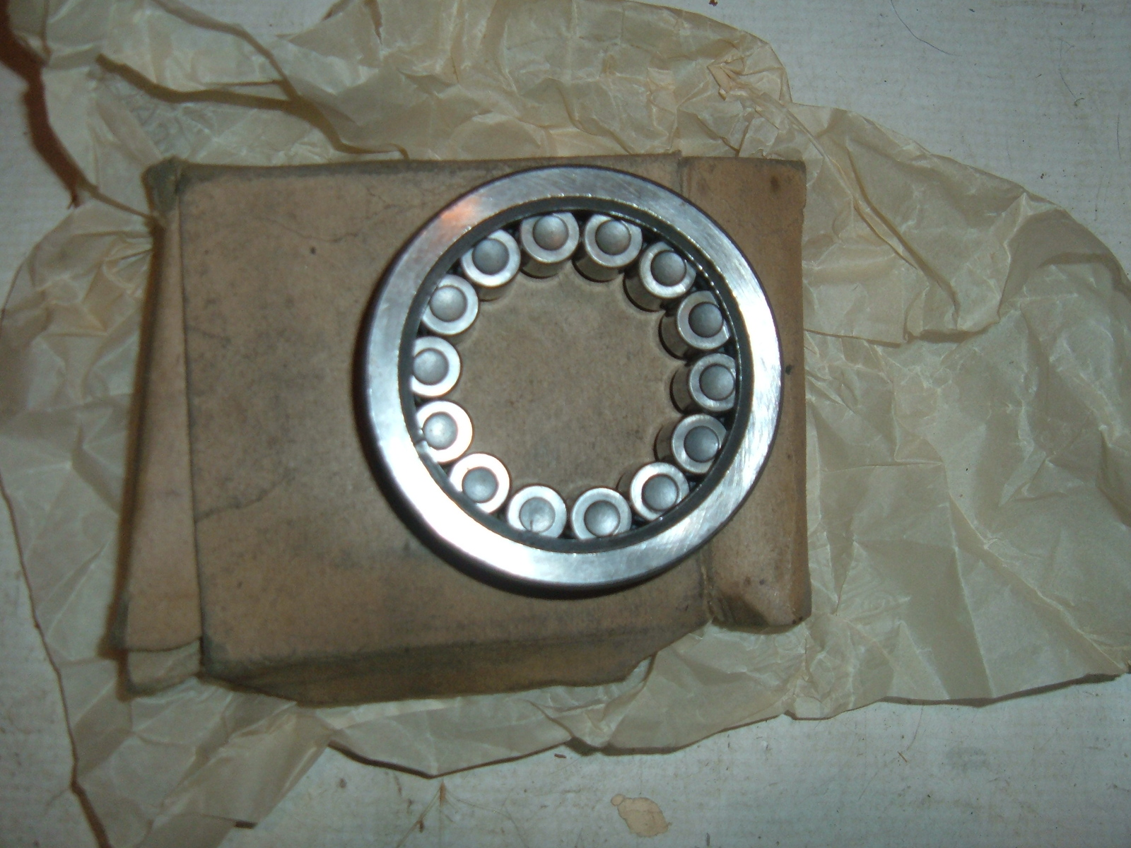View Product1937 38 39 40 41 42 46 47 pontiac oldsmobile pinion bearing nos #107391 (z 107391)