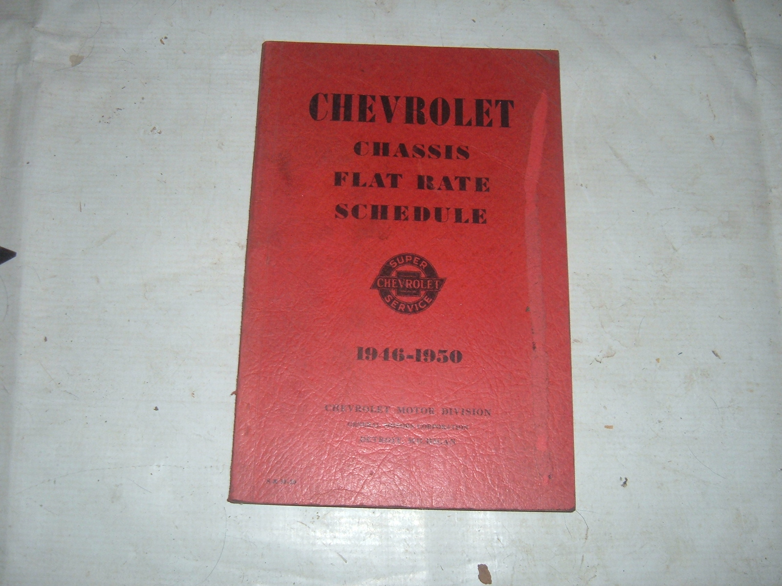 View Product1946 47 48 49 50 chevrolet Flat rate service manual Original print (z 46-50flat rate)
