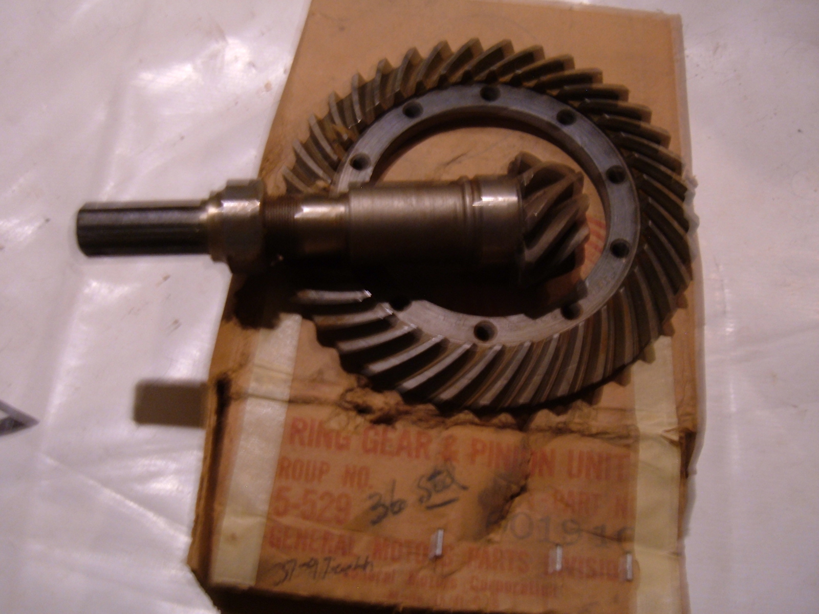 1936 chevrolet master ring & pinion gear set # 601910 (z 601910)