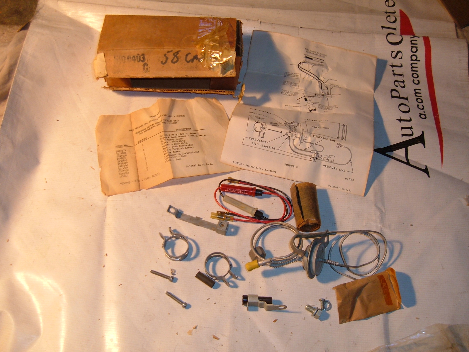 1958 cadillac air conditioning throttle suction valve nos gm 5910403 (5910403)