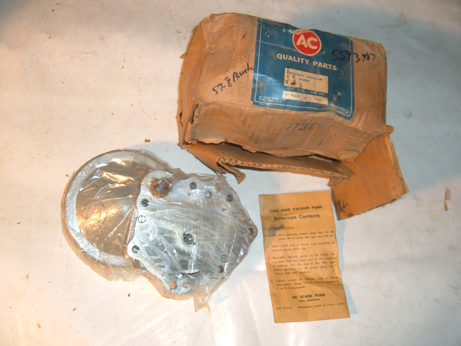 1957 58 buick rotary vacuum pump nos gm 5593987 (z 5593987)