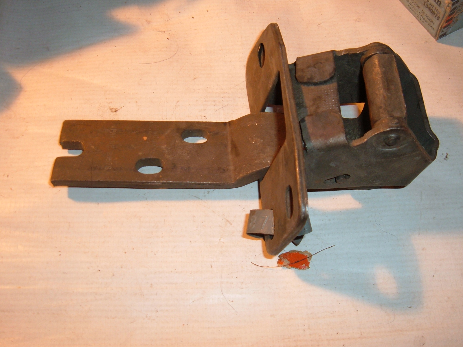 View Product1947 48 49 50 51 52 53 54 55 Chevrolet Pickup nos front door hinge 3678764 (z 3678764)