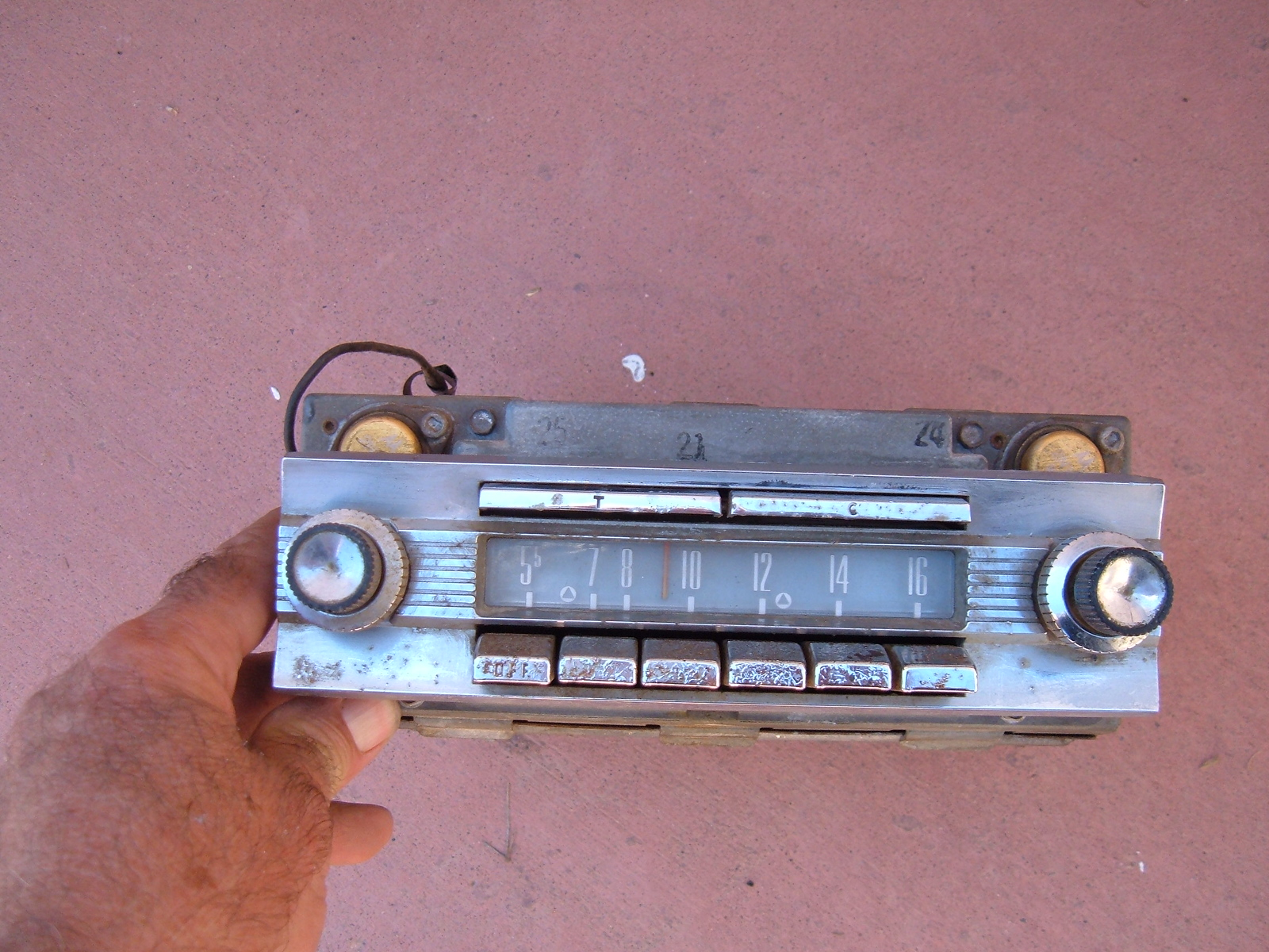 1959 ford town /country am radio original (z 59 ford radio )