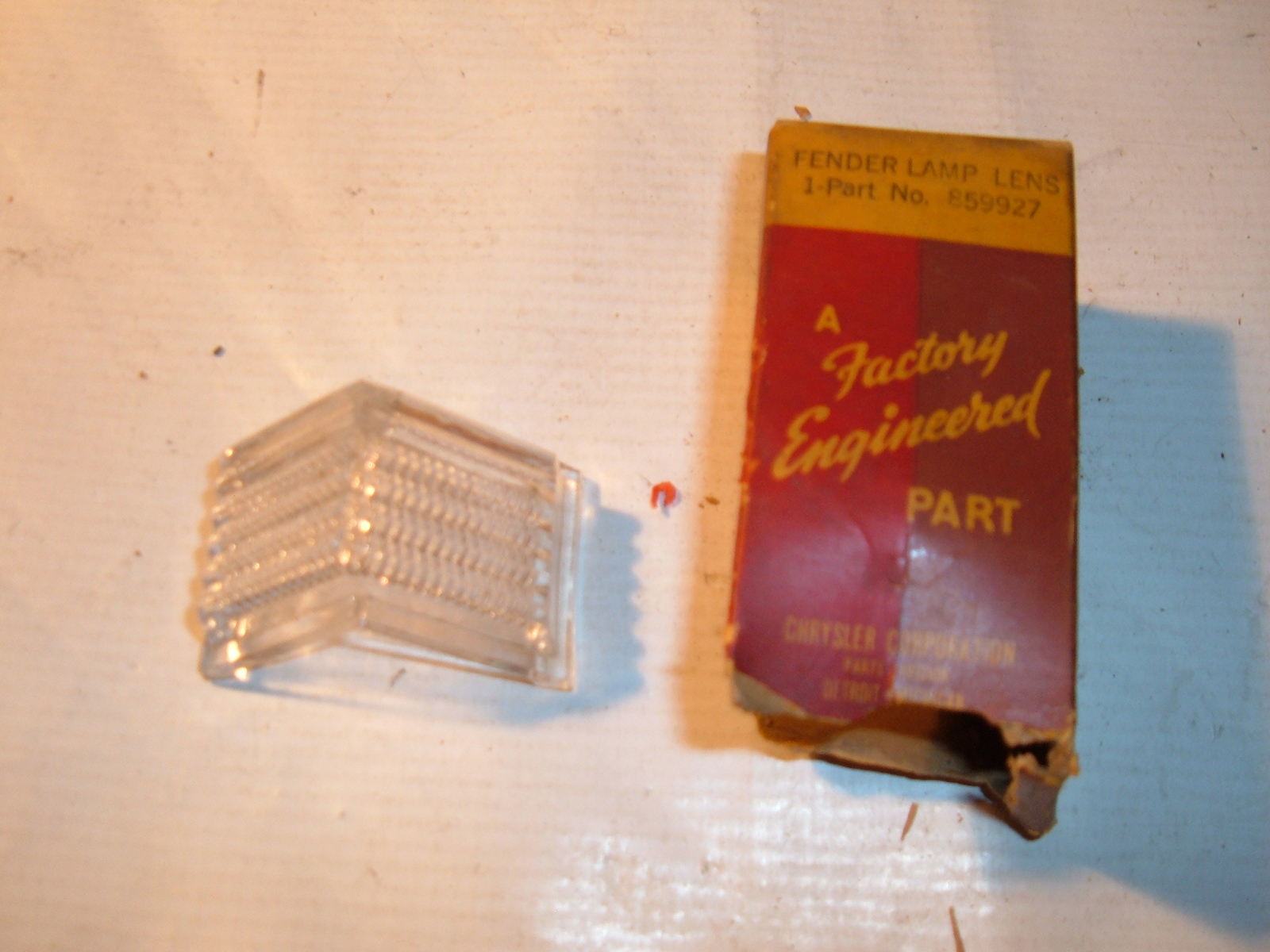 1940 chrysler parking light lens nos mopar # 859927 (z 859927)