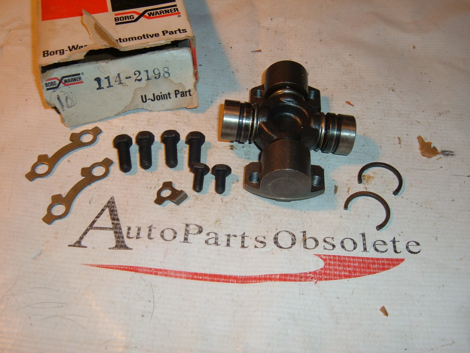 View Product1953 54 55 oldsmobile universal joint new borg warner # 114-2198 (z 114-2198)