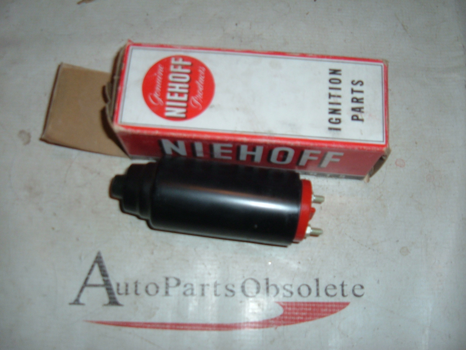 1950's up international farmhall ignition coil new 353-874-R91 (z h170)