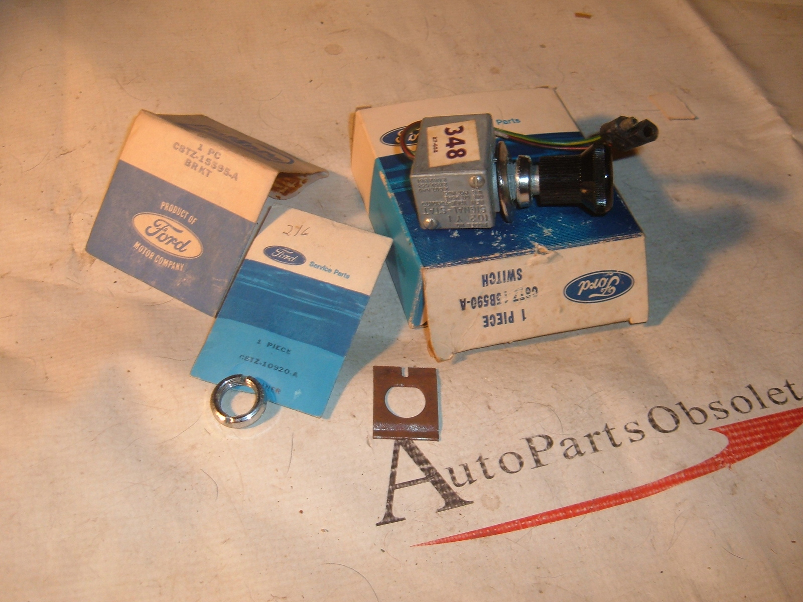View Product1966 67 68 69 ford truck hazard flasher switch nos ford C6TZ-15B590-A (z c6tz15b590a)