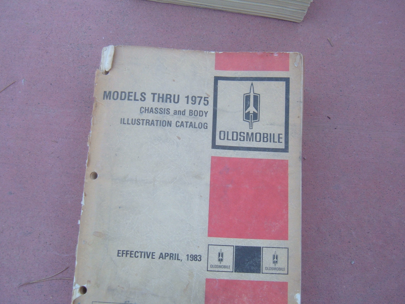 1965 thru 1975 oldsmobile Illustrations book original print gm book (z oldsillbook)