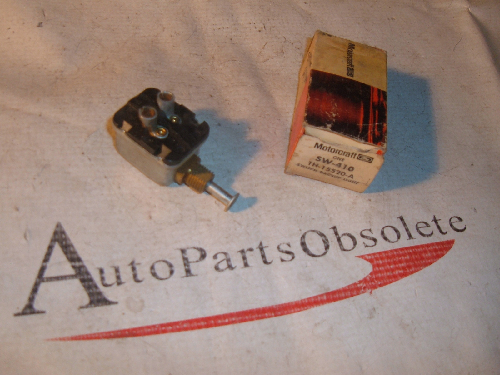 1955 56 57 58 Ford & thunderbird back up lamp switch 1H-15520-A (z 1h15520a)