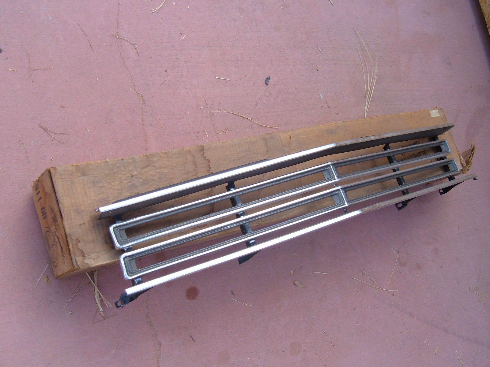 View Product1968 plymouth roadrunner grille nos mopar # 2949007