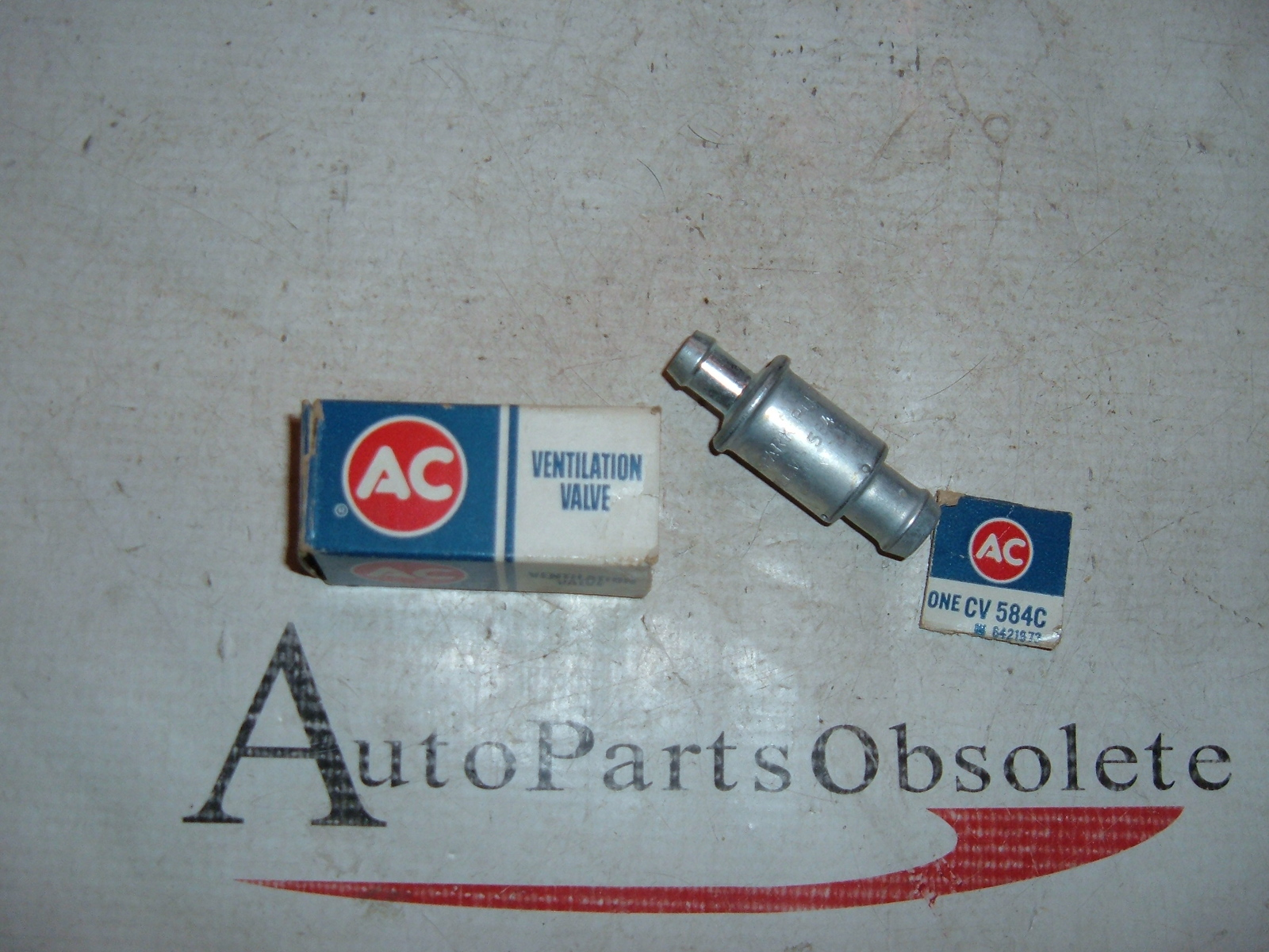 1962 63 64 65 66 67 68 chevrolet corvair PVC valve nos gm CV-584-C (z 6421973)