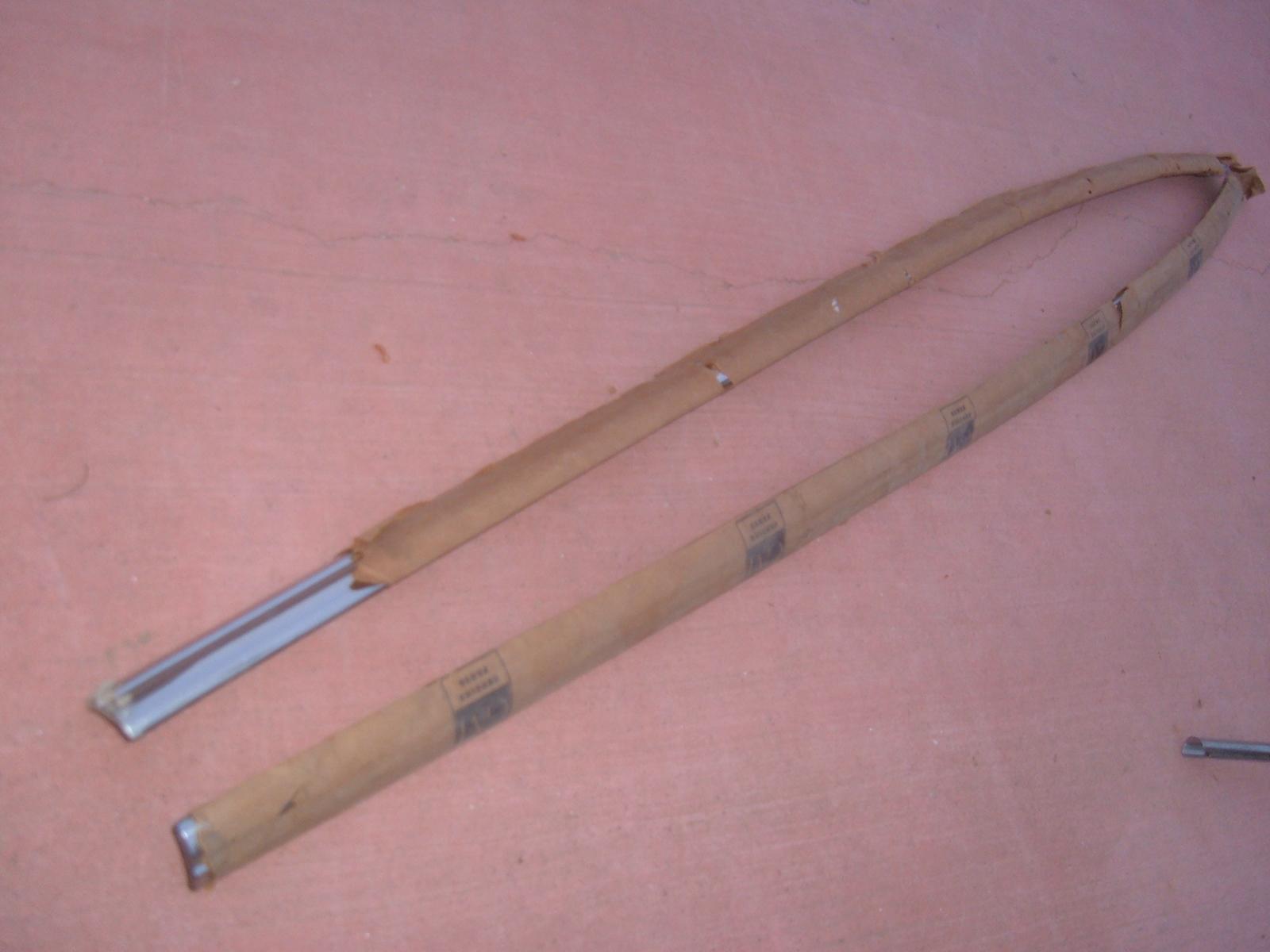 1953 54 chevrolet belt molding door nos gm # 4596624/5 (z 4596624/25)