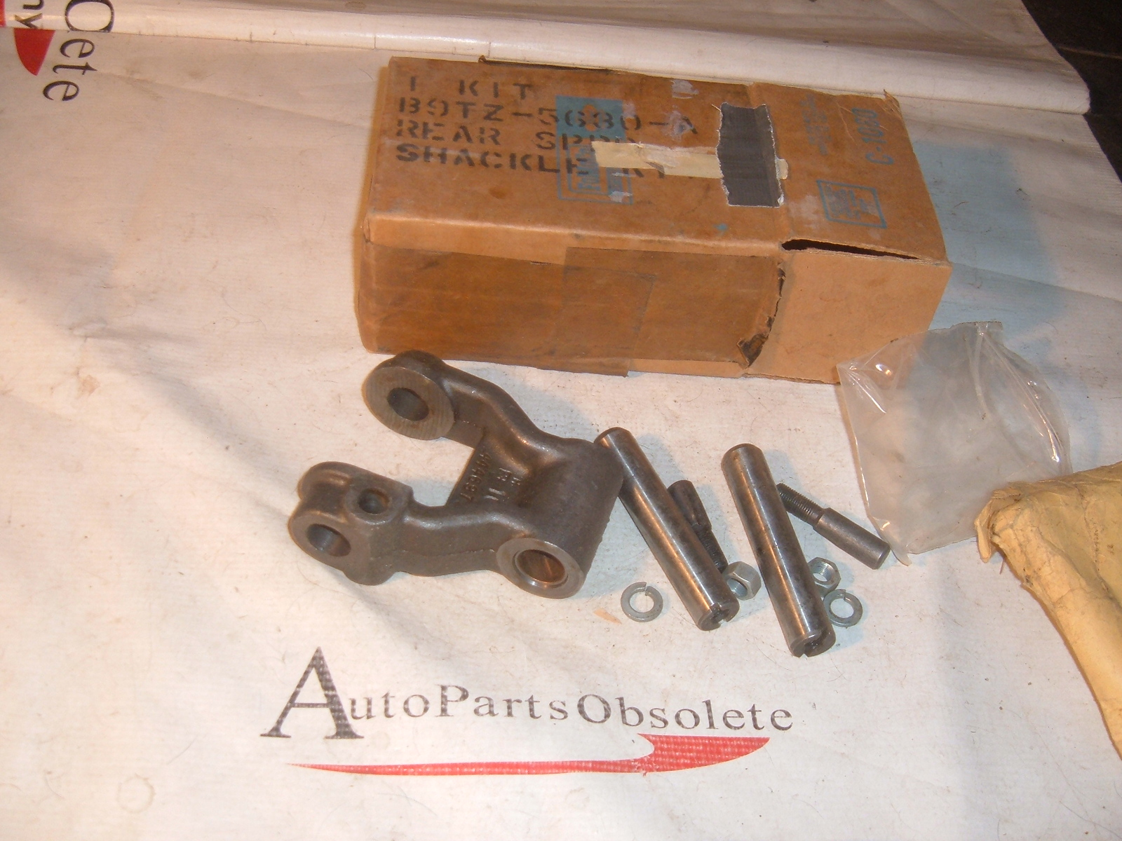 View Product1959 60 ford truck rear spring shackle NOS ford # B9TZ-5630-A (z b9tz5630a)