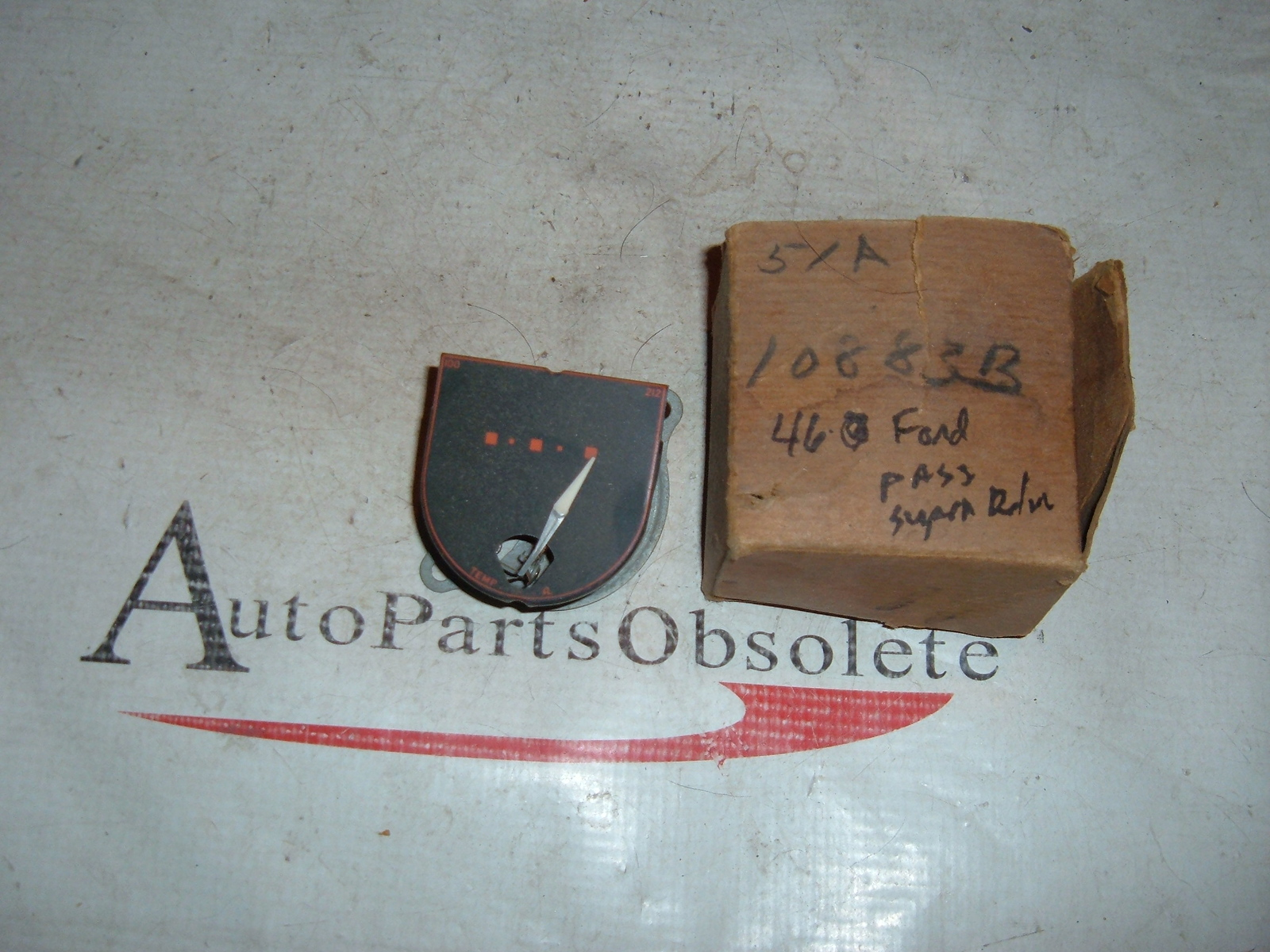 View Product1946 ford super deluxe temperature gauge nos # 51A-10883-B (z 51a10883b)