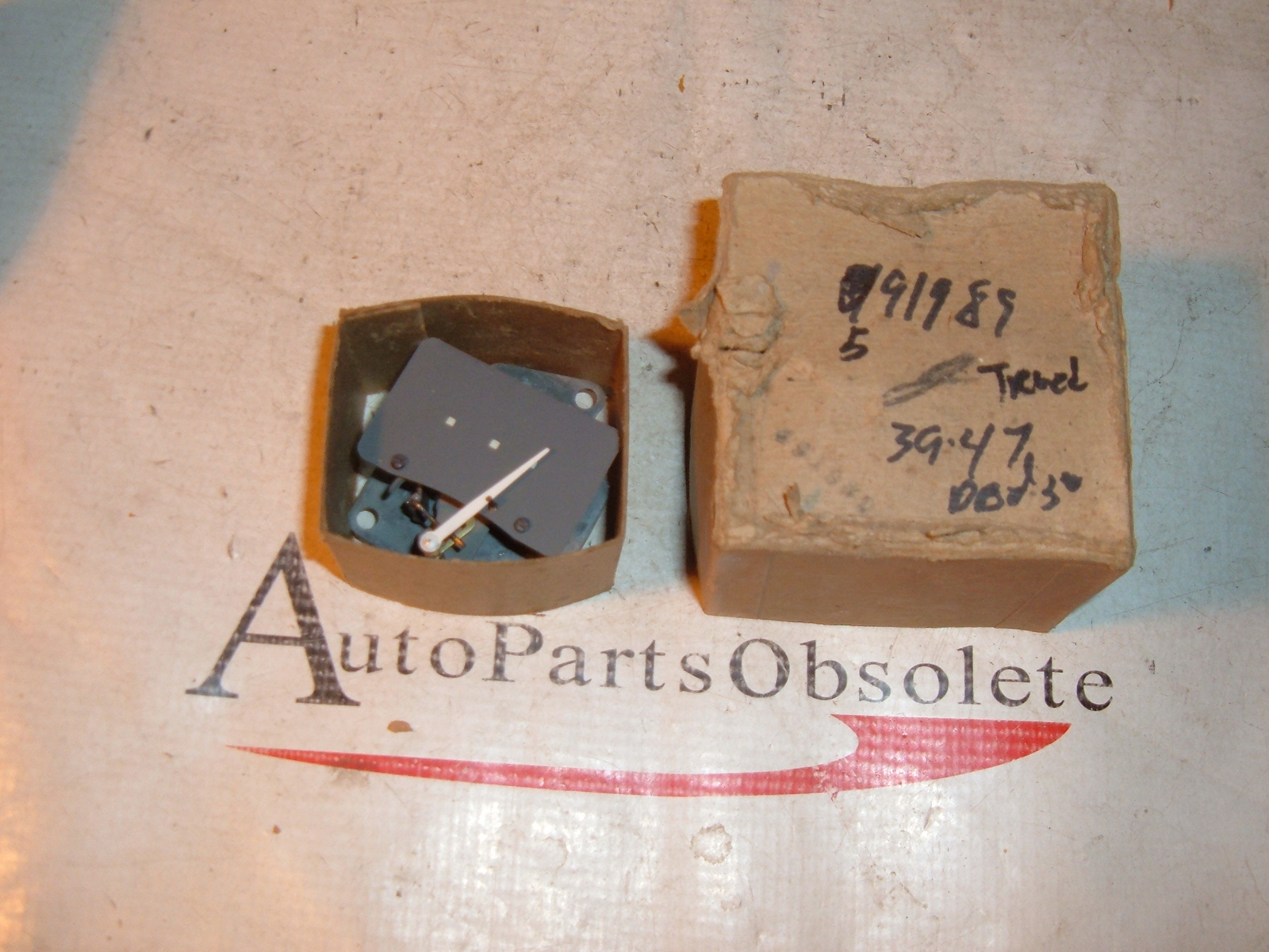1939 40 41 42 43 44 45 46 47 dodge truck oil gauge nos mopar 591989 (z 591989)