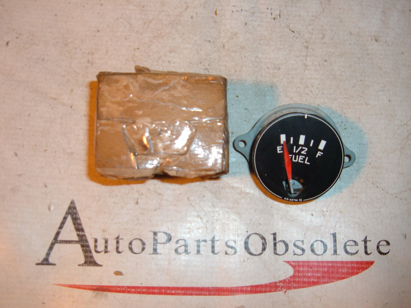 1950 51 52 53 54 international truck fuel / gas gauge nos # 86588-R91 (z 86588-r91)