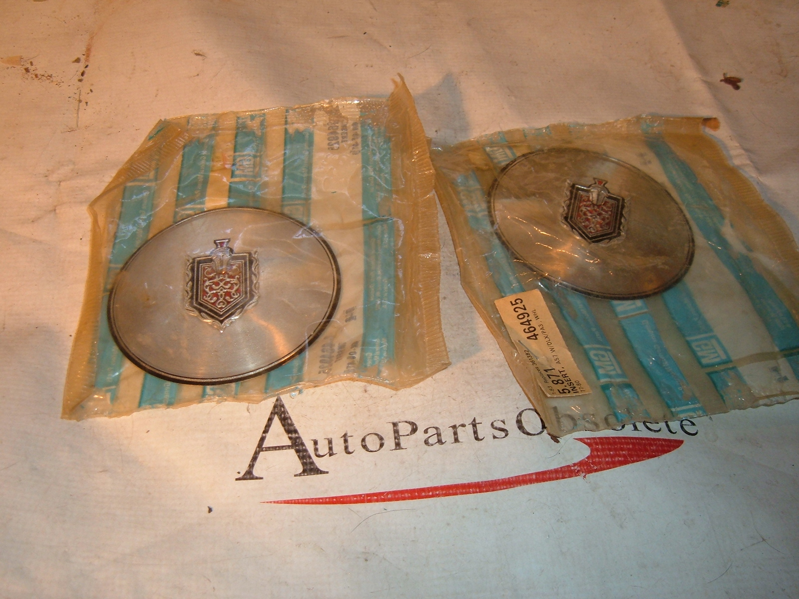 View Product1977 78 79 80 monte carlo wheel inset nos gm # 464925 (z 464925)
