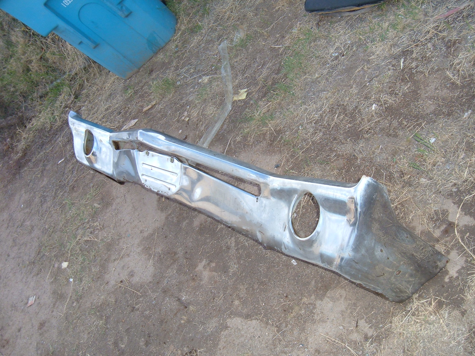 View Product1966 buick electra rechromed front bumper (z 1966bucikelectrabumper)