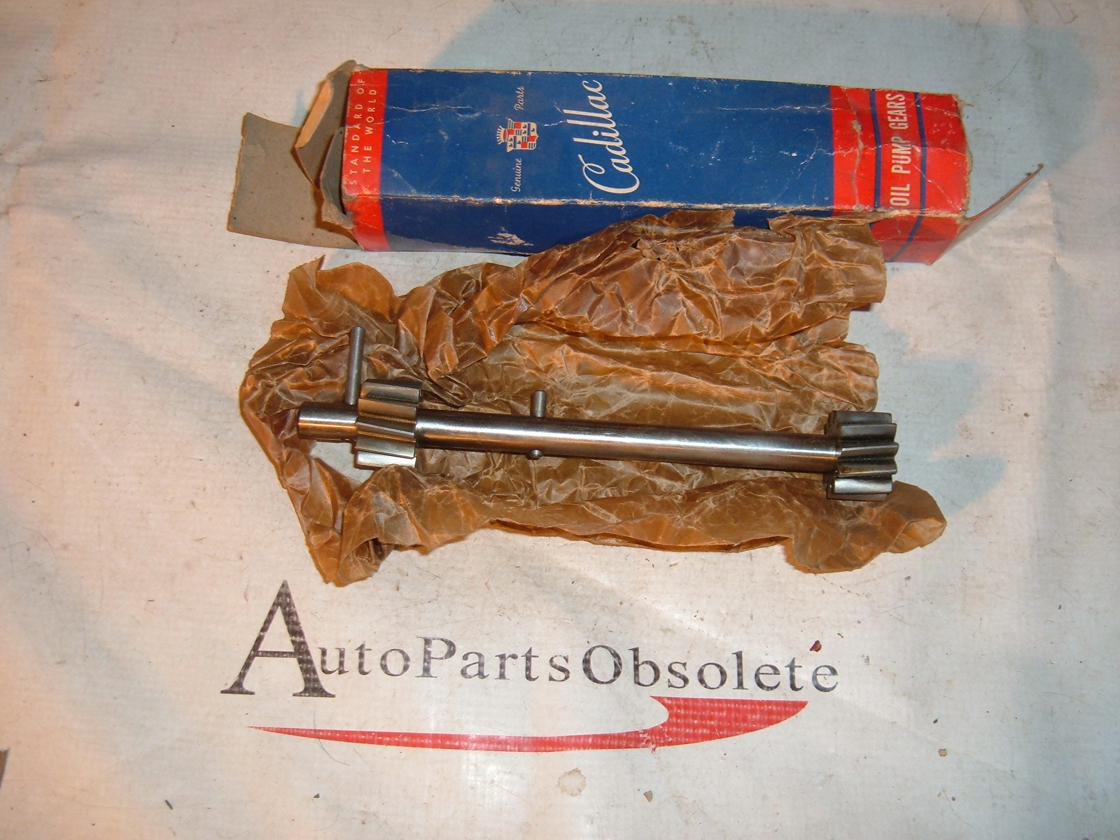 1946 47 48 transmission cadillac oil pump shaft gear nos # 8610734 (z 8610734)