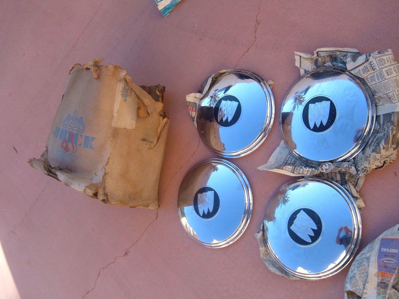 1948 49 50 51 52 53 buick hub caps nos gm 4ct (z buickhubcaps)