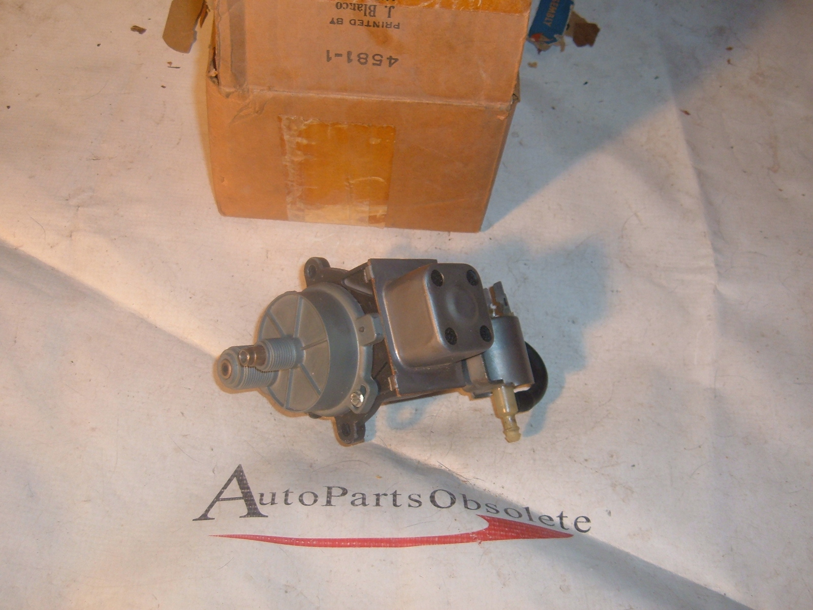 View Product1968 69 70 71 72 73 chevrolet crusie control servo /brain nos gm nos (z 69-74 crusie)