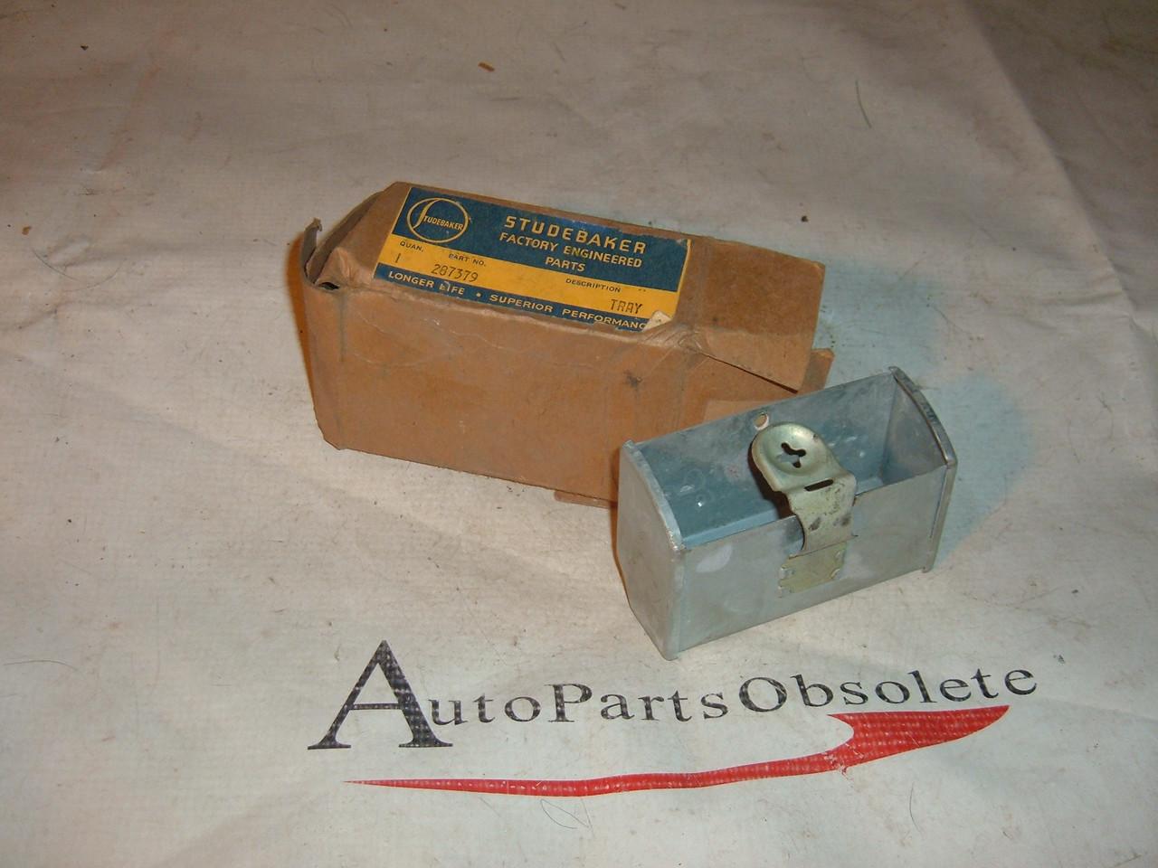 1947 48 49 50 studebaker ash tray nos # 287379 (z 287379)