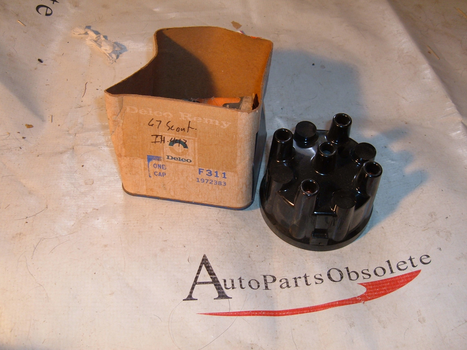 1963 64 65 67 69 71 international truck scout distributor cap 4 cy delco # 1972383 (z 1972383)