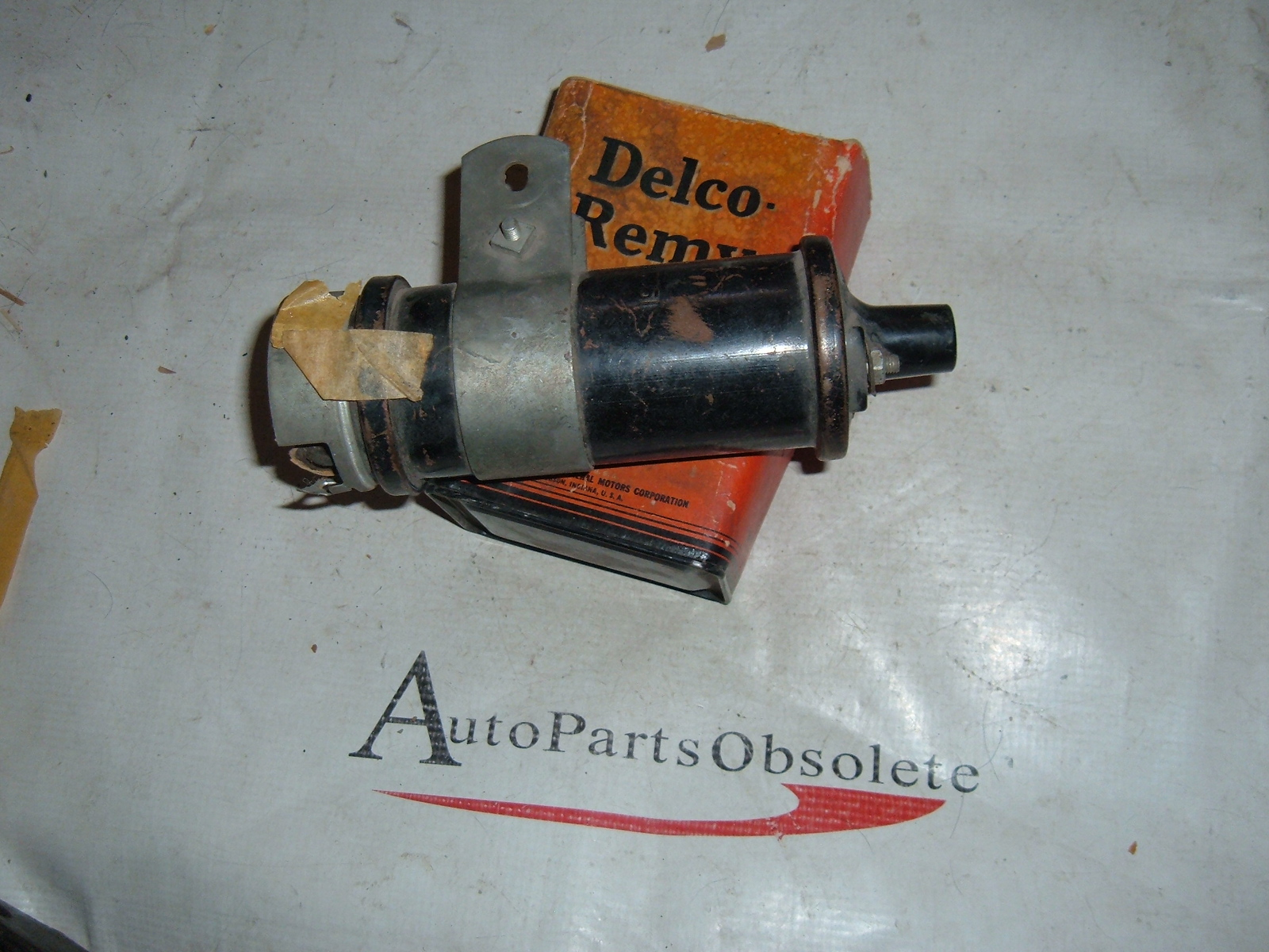 1938 40 42 44 46 47 chevrolet packard ignition coil assy nos gm # 1915427 (z 1915427)