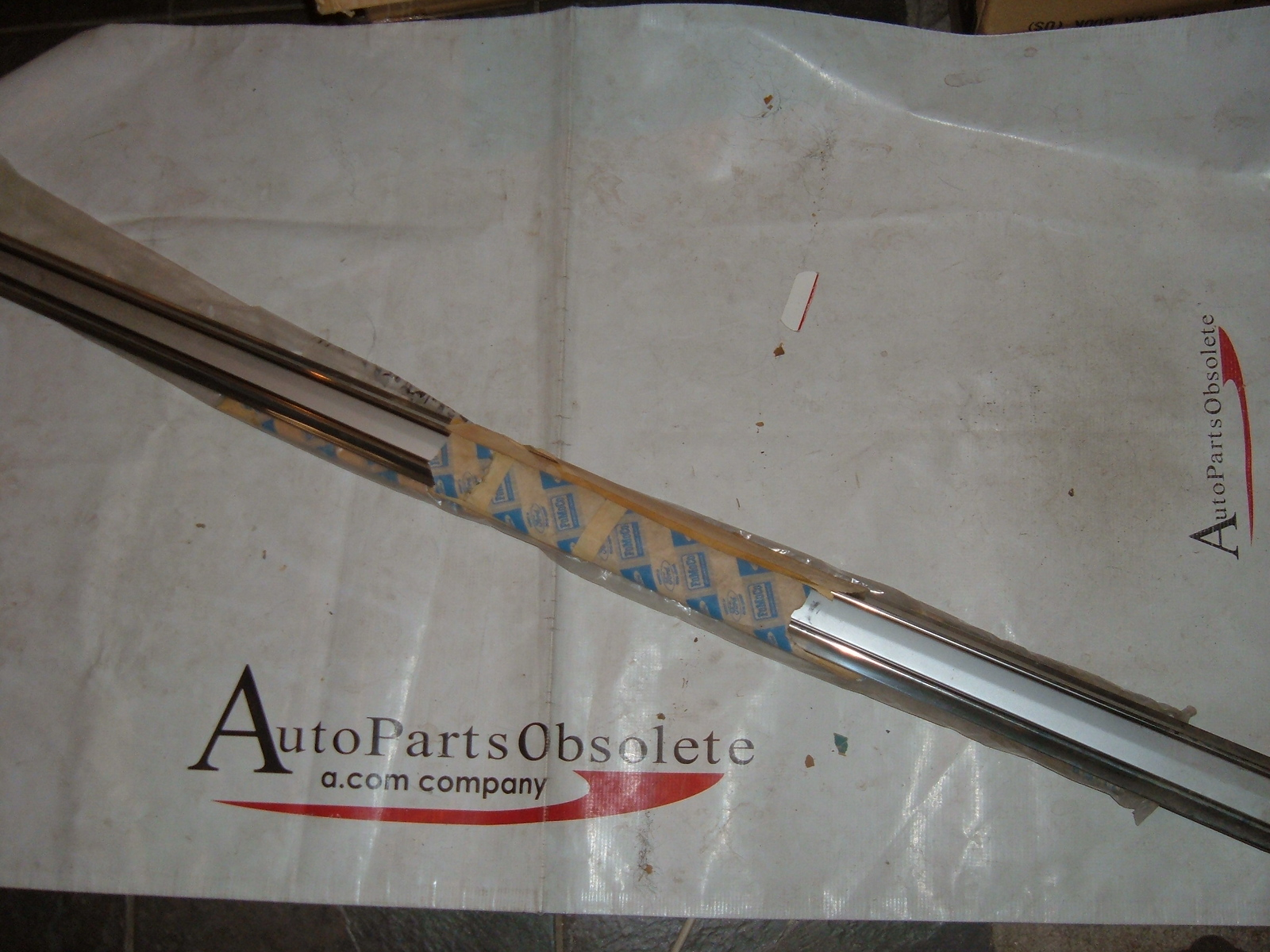 1965 ford fairlane door molding NOS ford # C50Z-6220939-A (z c50z6220939a)
