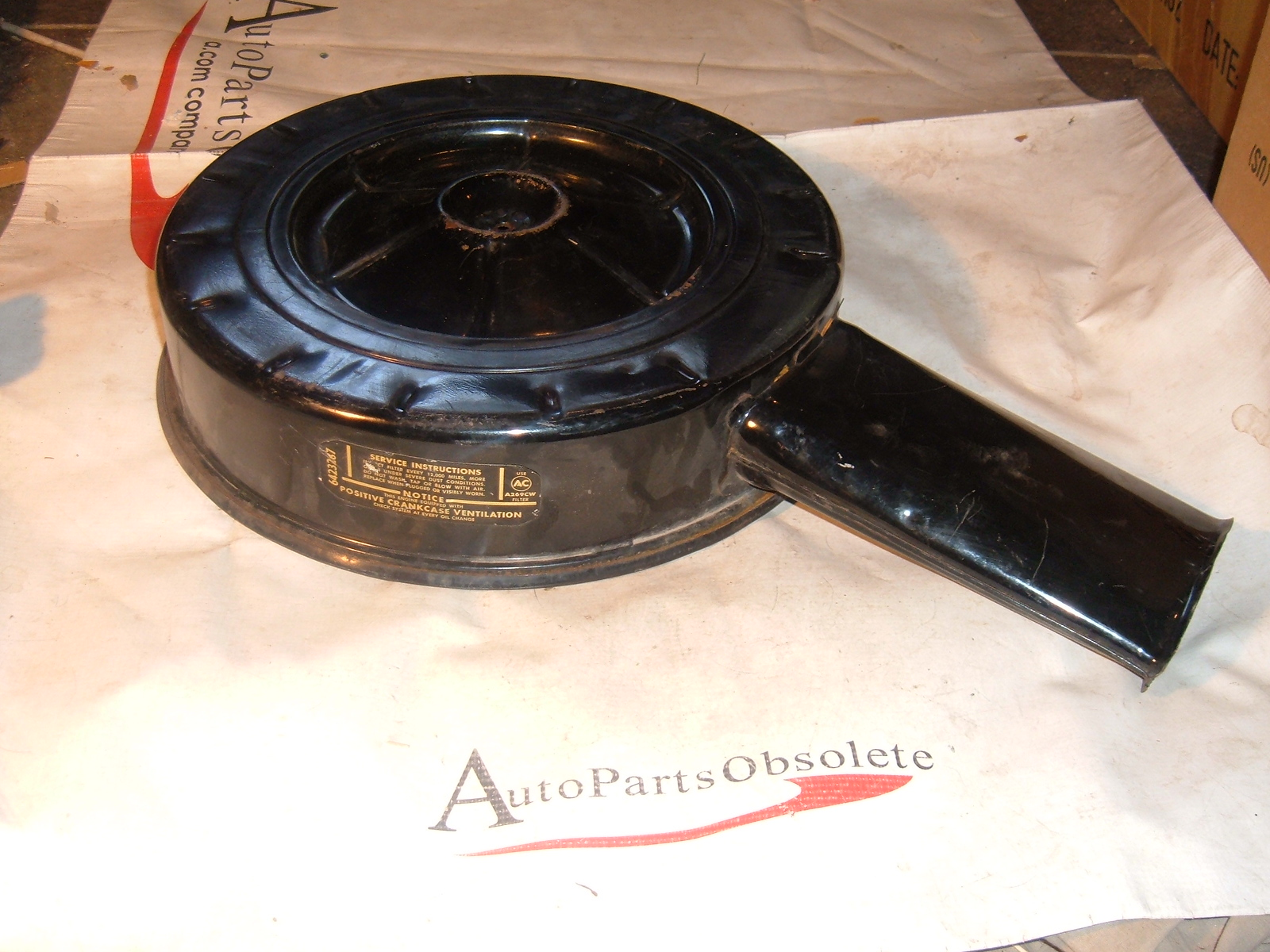 1964 65 66 67 chevrolet air cleaner top nos gm 6423287 (z 6423287)